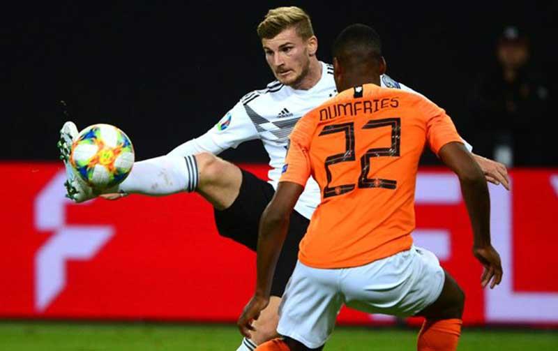 Irlandia Utara vs Jerman: Waspadai Bola-Bola Jauh Tuan Rumah