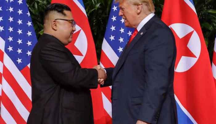 Usai Pertemuan, Donald Trump dan Kim Jong-un Tanda Tangani Dokumen