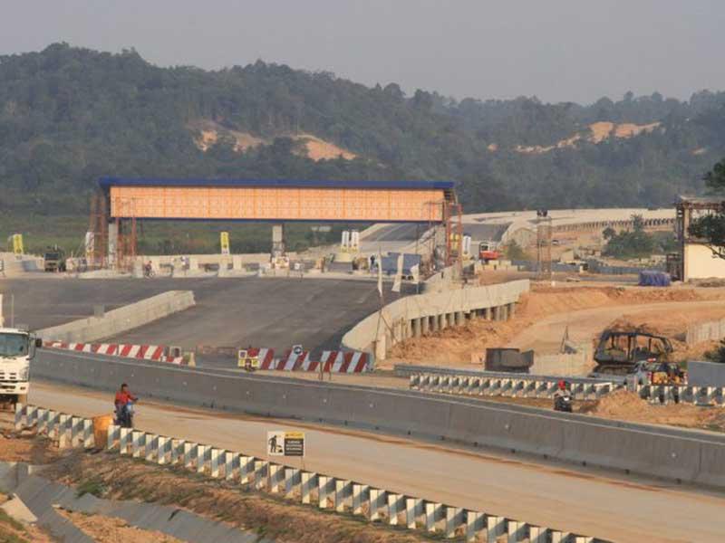 Pembangunan 5.200 Km Jalan Tol jadi Target Ambisius Jokowi