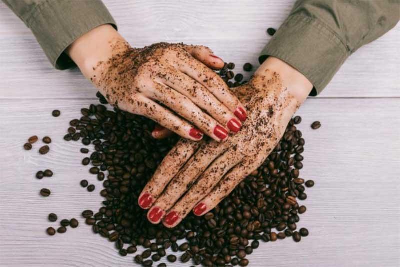 Bikin Kulit Mulus dengan Lulur Badan dari Kopi dan Brown Sugar