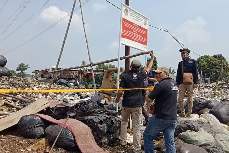 Penyidik KLHK Segel TPS Ilegal di Bogor
