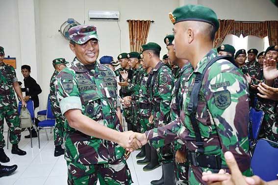 Pangdivif I/Kostrad Tinjau Karhutla Rupat