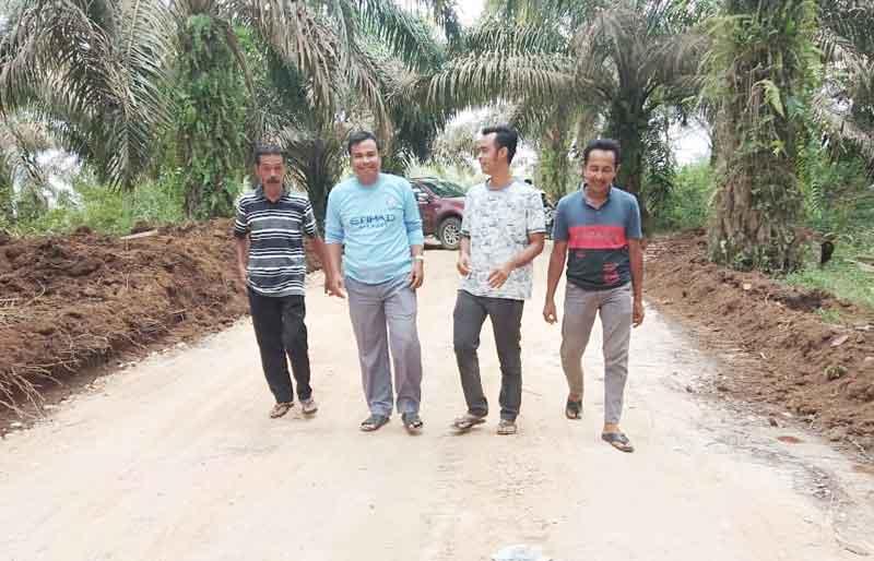 Masyarakat Koto Kombu, Kuansing,Bersyukur Akses Jalan Terbuka