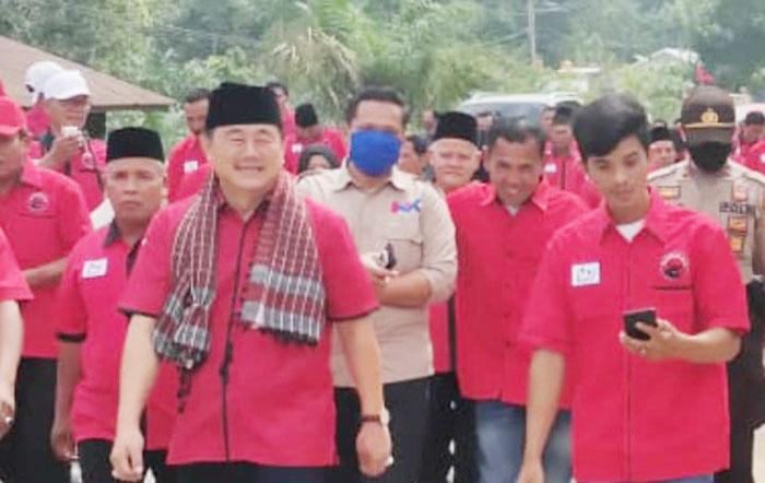 Halim Lantik Pengurus Ranting PDI Perjuangan Dua Kecamatan di Kuansing
