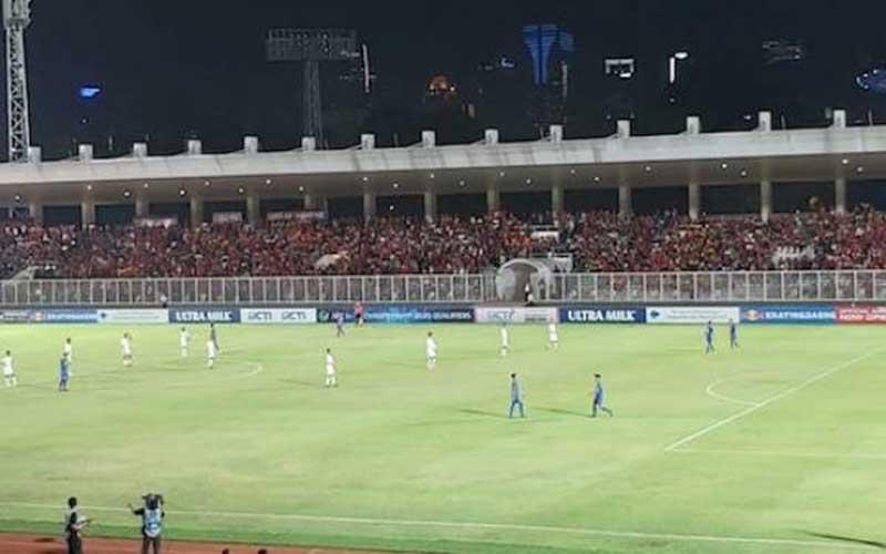 Indonesia vs Filipina: Suporter Membeludak di Stadion Madya Senayan