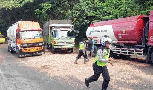 Jalur Padang-Solok masih Macet