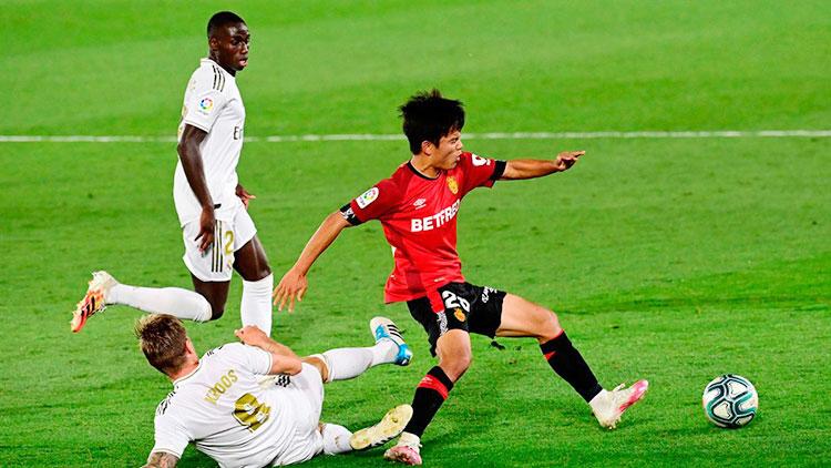 """Turunkan Empat Penyerang, Madrid """"Hanya"""" Menang 2-0 atas Mallorca"""