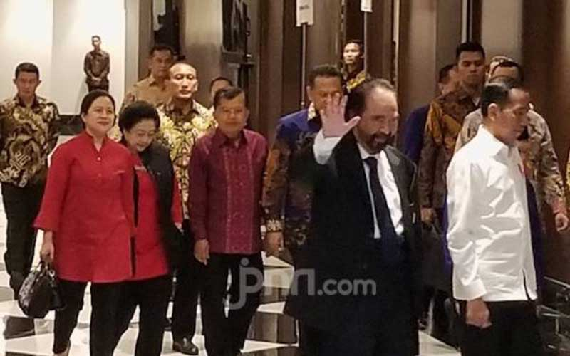 Jokowi dan Surya Paloh Tampak Akrab