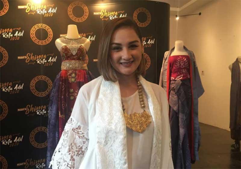 Bangga akan Budaya Indonesia, Mona Ratuliu Siap jadi Ratu Shima