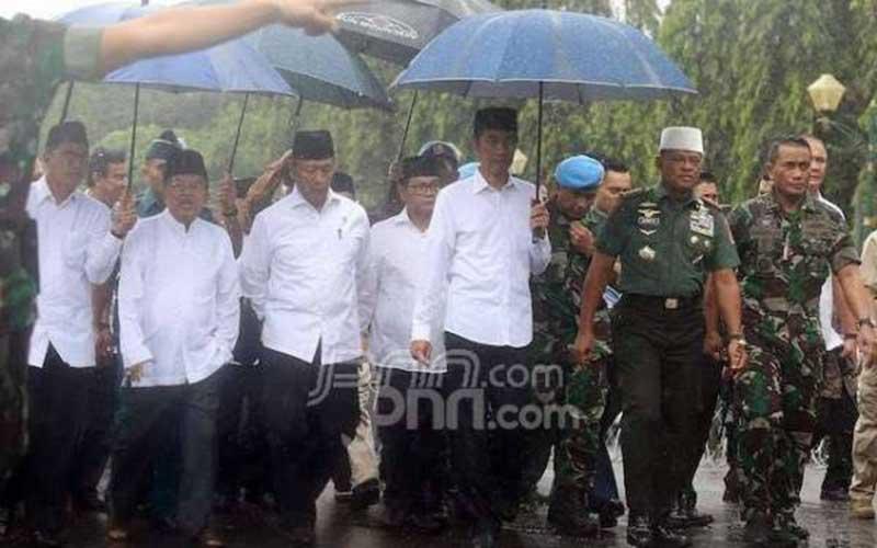 Masa, Presiden Jokowi Takut pada FPI?
