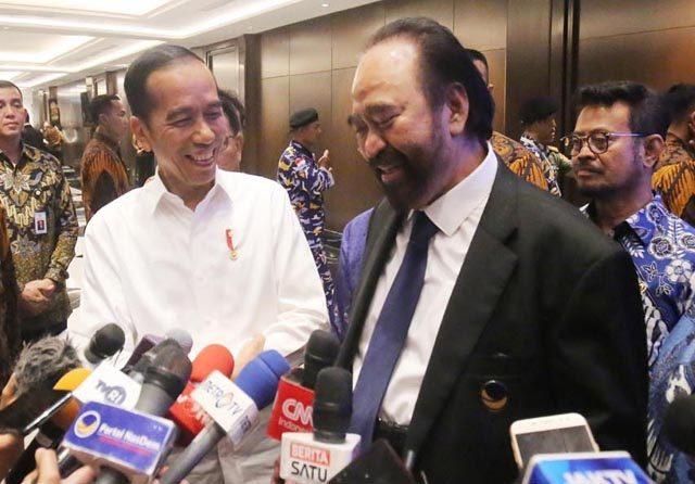 Jokowi: Pelukan Saya dengan Surya Paloh Jelas Lebih Erat