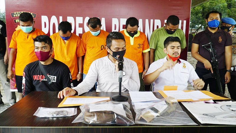 Menculik dan Menyekap, Lima Pria Diringkus Polres Pekanbaru
