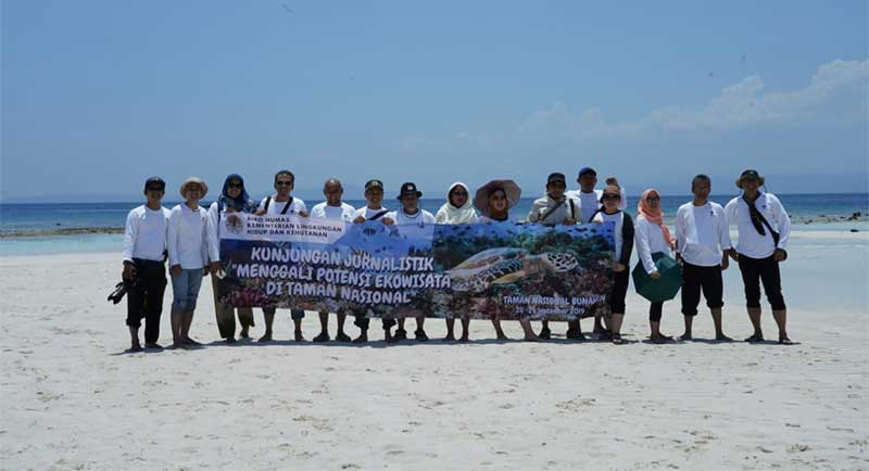 Dari Gunung Manado Tua hingga Taman Laut Bunaken yang Istimewa