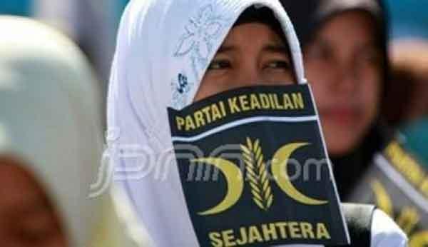 Tak Tergoda Dukung Jokowi, PKS: Komitmen 2019 Ganti Presiden
