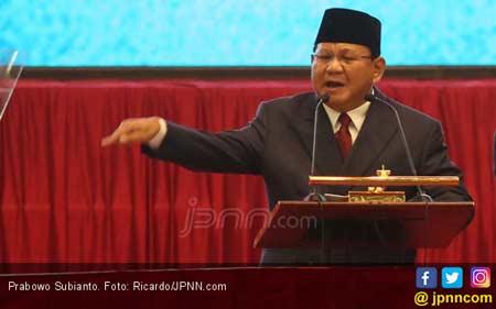 Ribuan Relawan Prabowo Jalan Sehat 2 Kilo