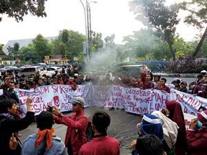 Demo Mahasiswa Kembali Tuntut Jokowi Turun