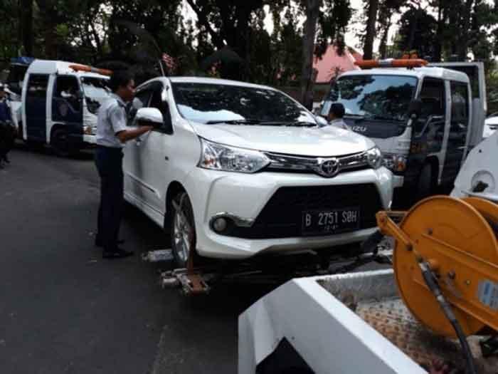 Mobil Diderek Dishub DKI, Ratna Sarumpaet Layangkan Somasi
