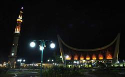 Cantiknya Masjid Mahligai Minang dengan Sentuhan Pencahayaan Mumpuni