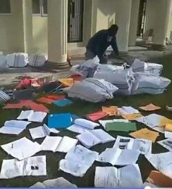 Skripsi Berserakan, Rektor Unilak Minta Maaf