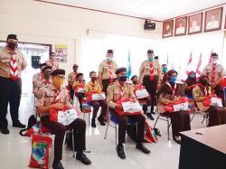 Kwarda Gerakan Pramuka Riau Serahkan Sembako