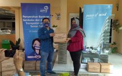 Asuransi Astra Serahkan Bantuan Sembako dan Masker Trasparan untuk Teman Tuli