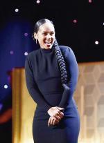 Dipercaya Jadi Host Grammy Lagi