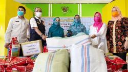 TP PKK Riau Bagikan Masker dan Sosialisasikan 3M di Rohul