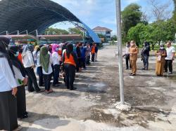 Bantah Isu Tak Sesuai Kontrak, Petugas Kebersihan Dikumpulkan