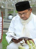 SBY: Semoga Pak Habibie Hidup Tenang di Sisi Allah