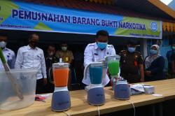 Alat Insenerator Rusak, 6.659 Butir Ekstasi Dimusnahkan BNNP dengan Blender