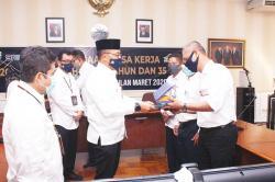 Hari Kemerdekaan, PTPN V Kucurkan Rp22,3 Miliar kepada 1.559 Karyawan