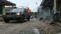 Batalyon Arhanud 13 Semprot Disinfektan Pemukiman Warga