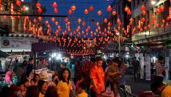 Kabut Asap Kian Pekat, Pawai Lampion di Festival Kue Bulan Batal