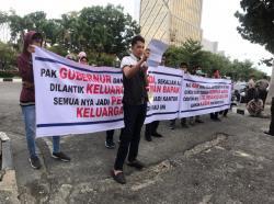 Diduga Sarat KKN, Massa Desak Syamsuar Batalkan SK Pengangkatan dan Pelantikan Pejabat