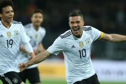 Podolski: Meski Stadion Kebakaran, Pemain Jerman Akan Tetap Diam