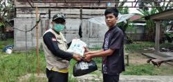 PKS Kuansing Salurkan Paket Sembako untuk Warga Kurang Mampu