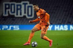 Adidas di Belakang Messi, Nike Sokong Ronaldo