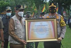 Cegah Karhutla, Kapolresta Terima Penghargaan
