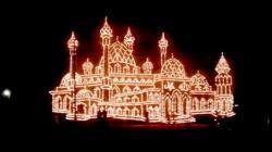 Festival Lampu Colok, Ribuan Warga Tumpah ke Jalan