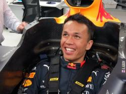 Alexander Albon Juara Grand Prix Virtual F1