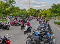 Parkir Liar dan PKL Kembali Marak