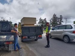 Melebihi Muatan, Mobil Pick-up Ditilang