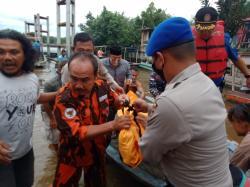 Jasad Korban yang Terjatuh dari Sampan di Sungai Siak Baru Ditemukan