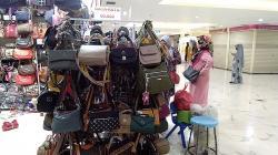 Pedagang STC Keluhkan Sepi Pembeli