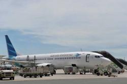 Garuda Indonesia Terbang ke Cina Kirim 10 Ribu Masker BNPB