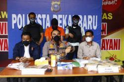 Polresta Pekanbaru Ungkap Penggendong Sabu 8 Kg