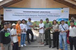 Peduli Lingkungan, PLN Tanam Seribu Mangrove di Sungai Apit