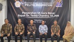 Dosen IBTPI Teddy Chandra Raih Gelar Profesor