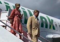 Abaikan Corona, Raja dan Ratu Belanda ke Toba Naik Citilink