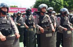 Warga Blokir Jalan, Satu SSK Brimob Sumut Dikerahkan ke Madina